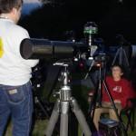 Der Omegon 80mm Carbon Apo beim warten auf die Finsternis an der Sternwarte Buchloe