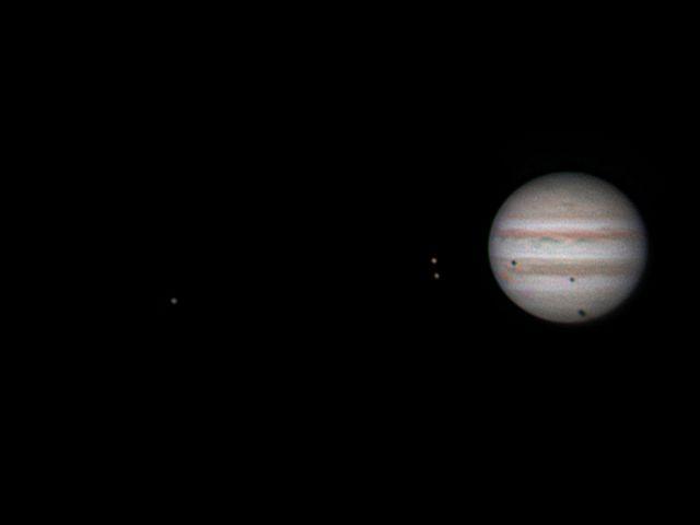 Jupiter mit drei Mondschatten
