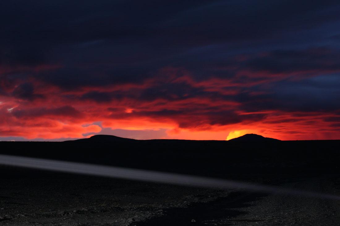 Vulkan bei Nacht